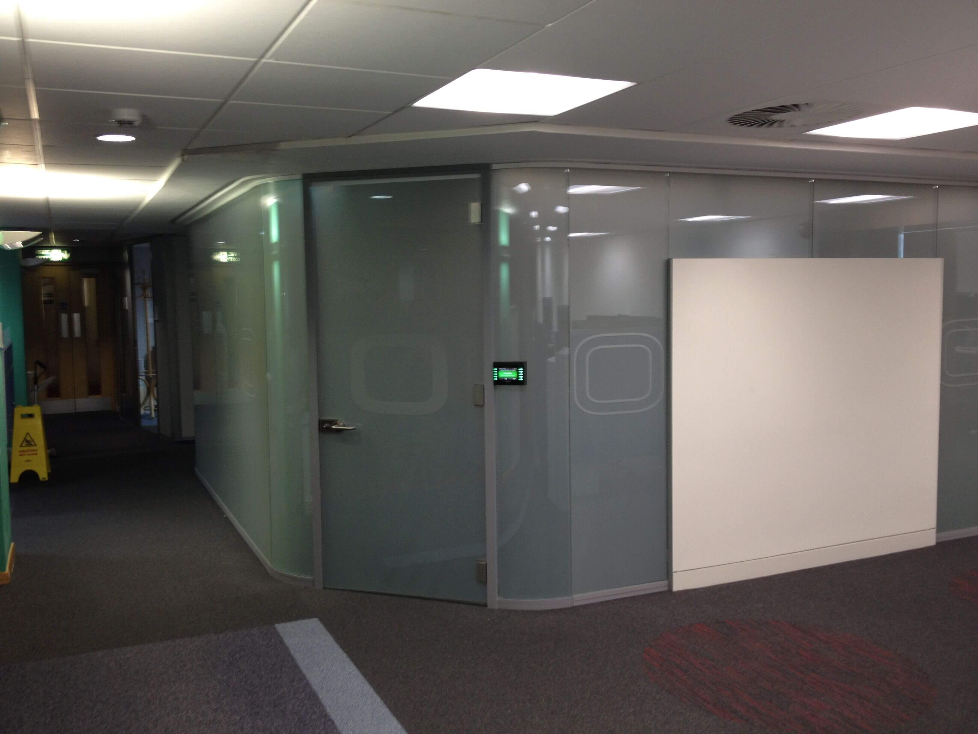 Curved Switchable Glass room privacy off
