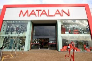 Mirrored switchable glass - Matalan