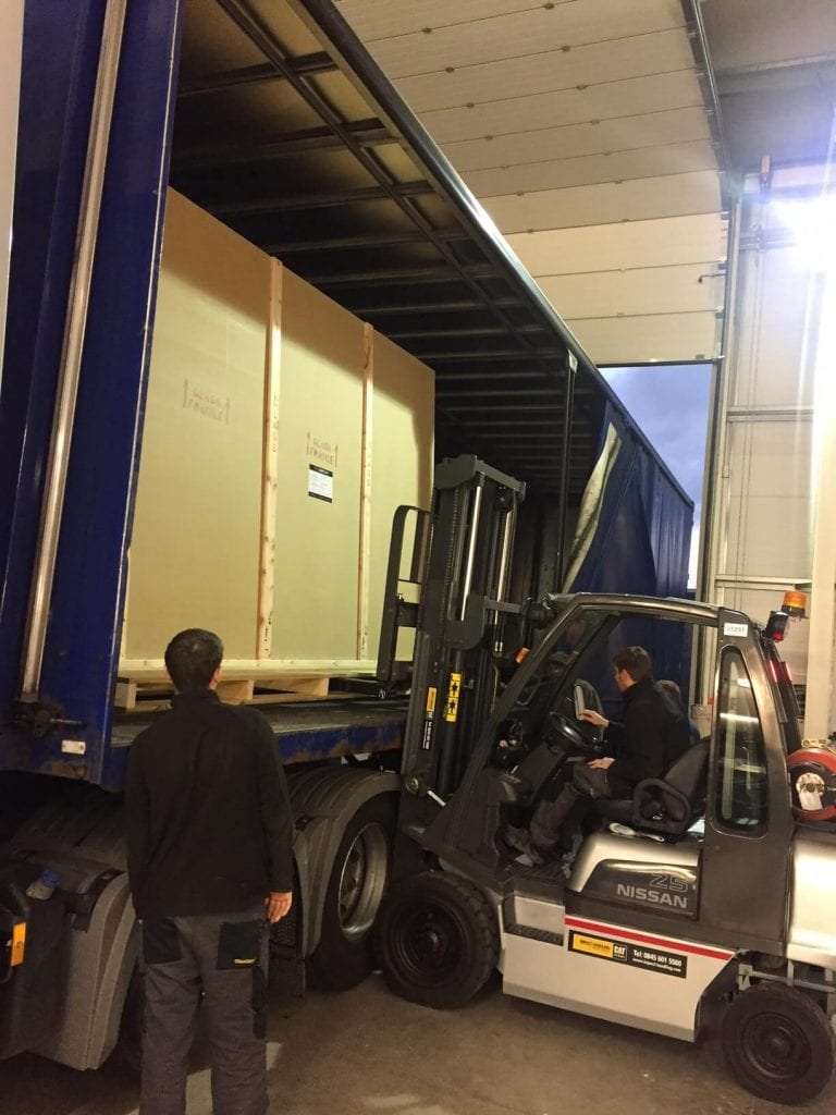 Loading Bespoke Switchable Glass Crate