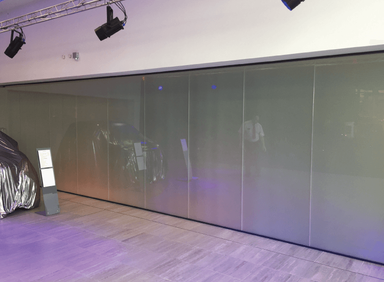 Merdedes Car Reveal Switchable Smart Glass Partition Off