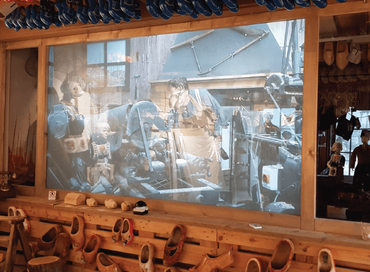 Switchable Smart Glass Projection Screen | 50