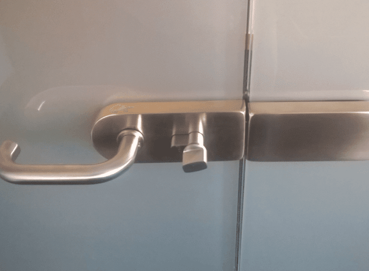 Switchable Smart Glass door handle switched to off