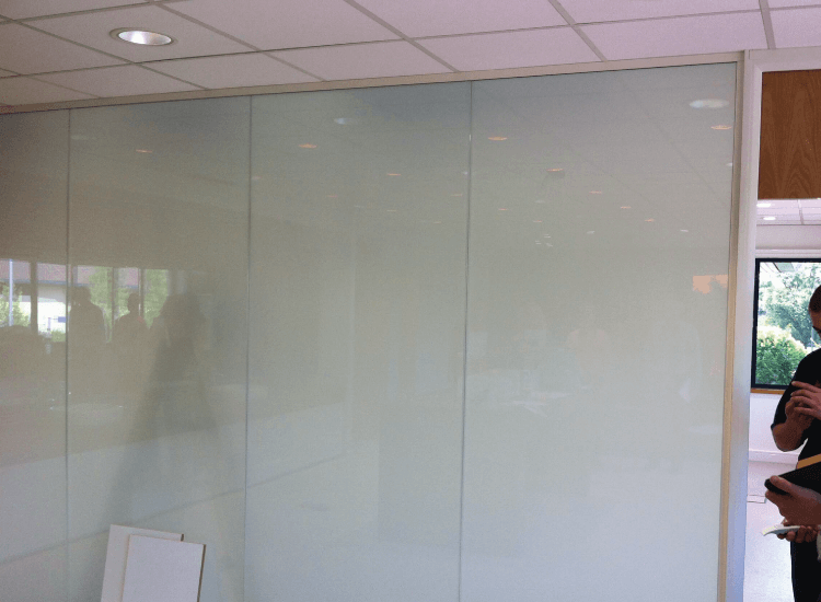 Office Privacy Switchable Smart Glass Partition switched to off