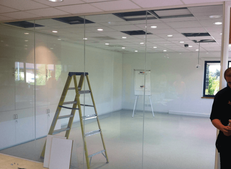 Office Privacy Switchable Smart Glass Partition switched to on